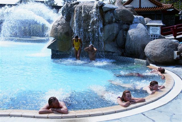labienspreizer bad homburg sauna öffnungszeiten